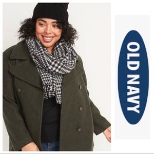 NWT Old Navy Flannel Scarf
